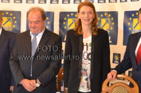 Femeile din PNL Neamț, susținute să candideze la locale de Alina Gorghiu și Vasile Blaga