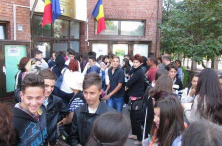 Se afișează rezultatele la Evaluarea Națională! Emoții pentru 4.500 de absolvenți de gimnaziu din Neamț!