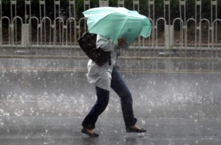 Vin furtuni în Neamț! Joi și vineri, vreme rea!