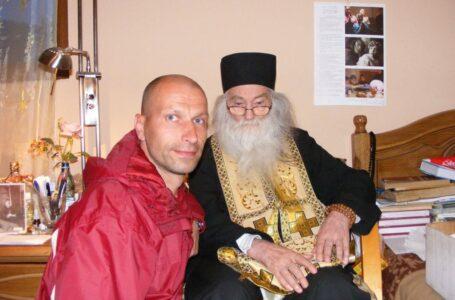 Astrologul Burfix spune că a fotografiat pe cer chipul părintelui Iustin! Tu vezi ceva? (foto-galerie)