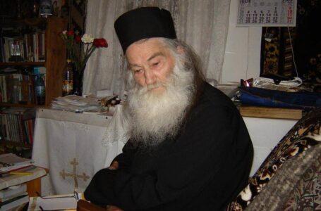 Scrisoarea de la Petru-Vodă a ajuns pe masa președintelui României! Promulgă Iohannis legea incriminată de călugării părintelui Iustin?