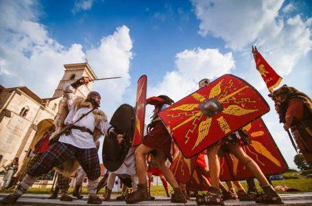 Lupte între gladiatori, tabere și ateliere meșteșugărești și dansuri antice la Festivalul Dacic Petrodava