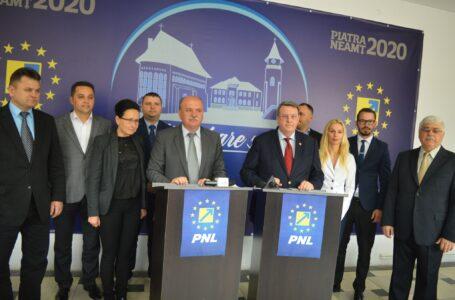 Și-au făcut publice contactele! Uite numerele de telefon ale consilierilor locali PNL Piatra Neamț!