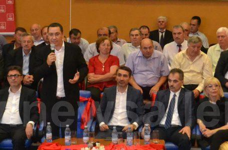 """Victor Ponta către primarul de Tîrgu Neamț: """"Cât luați acum? 80 la sută? Hai 75 la sută și sunt mulțumit!"""""""