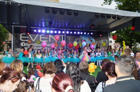 Ziua Internațională a Copilului – Show electrizant al micilor artiști de la Viva Allegria! (foto-galerie)