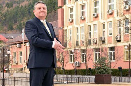 """Primarul Dragoș Chitic îi bate obrazul fostului coleg de partid, Laurențiu Dulamă! """"A avut o atitudine rușinoasă!"""""""