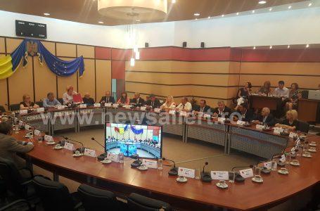 """Tensiune maximă la Consiliul Județean Neamț! Liberalii trimit """"meciul"""" în prelungiri!"""