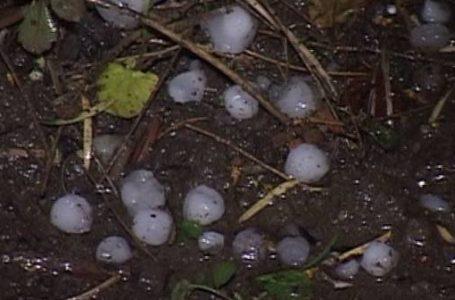 Furtună violentă cu grindină la Piatra Neamț! (video)