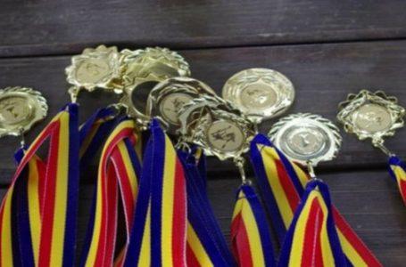 Școala nemțeană perpetuează valori! Elevii din Neamț au obținut zeci de premii la olimpiade!