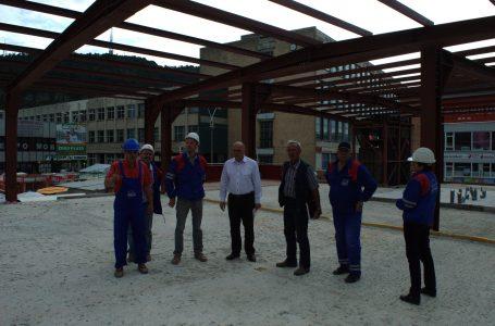Primarul Dragoş Chitic a inspectat lucrările de la Piaţa Centrală