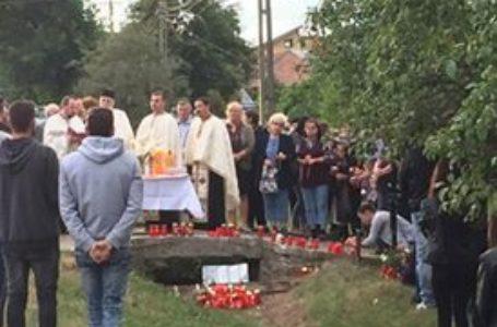 Priveghi la căpătâiul celor 3 tineri din Girov care au murit duminică în accident