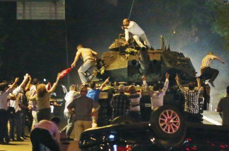 Turiști din Piatra Neamț, prinși în conflictul militar din Turcia! Mărturie de la Belek! (foto)