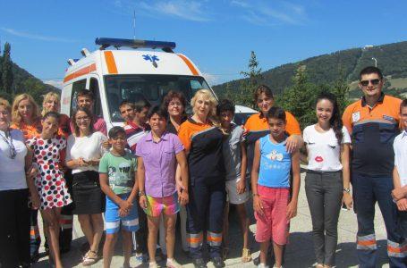 Cursuri de prim-ajutor la Centrul de Recuperare și Reabilitare a Copilului cu Dizabilități din Piatra Neamț