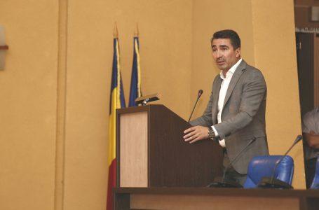 """Preşedintele CJ Neamţ s-a întâlnit cu 200 de """"stranieri"""" veniţi acasă"""