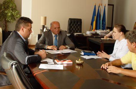 După scandalul blocării ilegale a maşinilor, primarul Dragoş Chitic a convocat conducerea Parking!