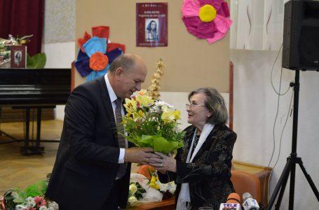 Profesoara Elena Botez a primit diploma de Cetățean de Onoare al municipiului Piatra Neamț