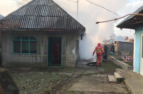 O bătrână a murit carbonizată într-un incendiu la Săvinești