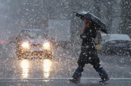 Avertizare de ploi, vânt și ninsori pentru zona montană!