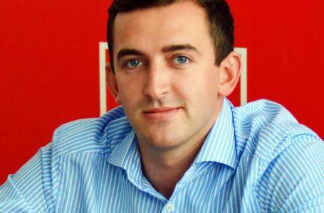 Limbaj de mahala la PSD Neamț! Un deputat îi dă …uie pe facebook lui Dan Barna!