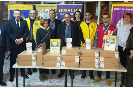Clubul LIONS Piatra Neamţ distribuie 30 de computere speciale pentru nevăzători