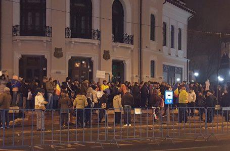 Duminică, a 5-a zi de proteste la Piatra Neamţ! Peste 700 de persoane au plecat într-un marş prin toate cartierele!