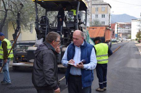 """Primarul Dragoș Chitic: """"Ne vom îndeplini obiectivul de a avea un oraș cu toate străzile asfaltate!"""""""