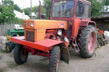 Straniu, dar adevărat! Conducerea unui tractor agricol pe drumurile publice fără permis sau neînmatriculat NU ESTE INFRACȚIUNE!!!