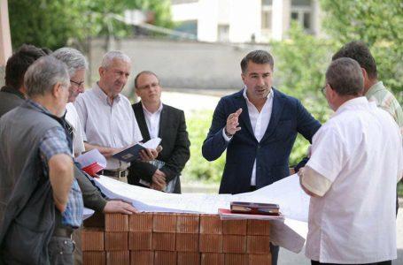"""Arsene: """"Spitalul Județean este o prioritate pentru mine!"""" Președintele CJ cere urgentarea lucrărilor de la unitatea sanitară din Piatra Neamț!"""