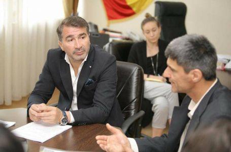 """Ionel Arsene (președinte CJ Neamț): """"Apometre cu citire la distanță, o unitate de producere a energiei electrice și gazului din deșeuri, și autobuze electrice!"""""""