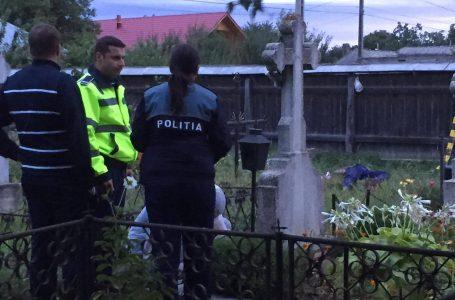 Descoperire macabră în cimitirul din Zănești (video)