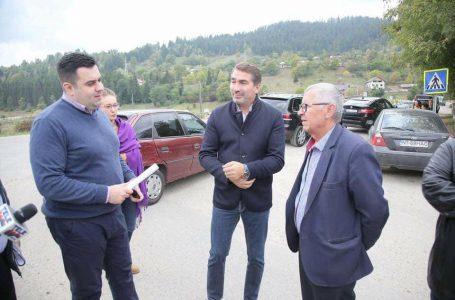 În lipsa argumentelor, pesedistul Răzvan Cuc atacă liderii PNL Neamț cu poze ciordite de la presă