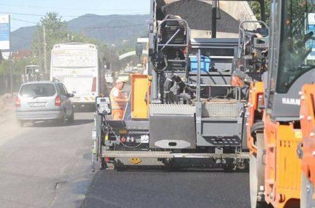 A început asfaltarea drumului de la Ursuleți