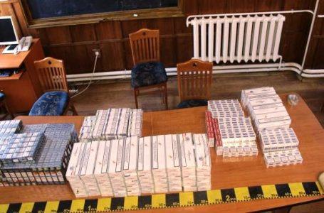 Percheziții la Săbăoani la un bărbat acuzat de contrabandă cu țigări