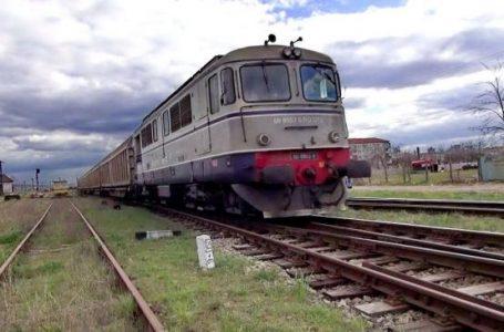 O femeie a sărit din tren cu copilul în brațe! Incidentul s-a petrecut la Roman!