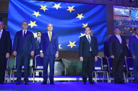 Cinci mii de liberali nemțeni, prezenți la întâlnirea cu Rareș Bogdan și Ludovic Orban