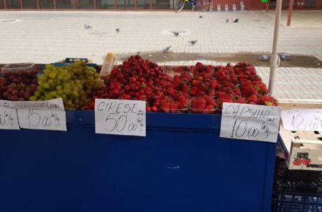 Prețul uriaș al cireșelor în Piața Centrală din Piatra-Neamț