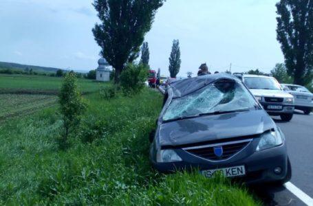 Logan înmatriculat în Iași, accident la Timișești! Trei victime, la spital!