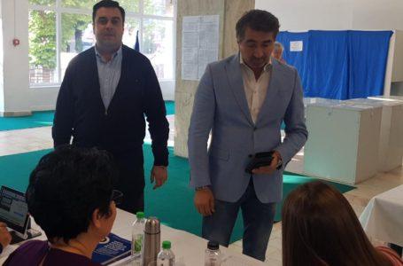 Președintele PSD Neamț, Ionel Arsene și ministrul Transporturilor, Răzvan Cuc au votat la Piatra-Neamț