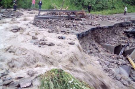 Avertizare de furtună în Neamț pentru marți după-amiază