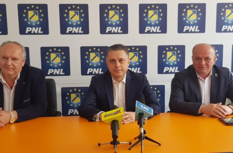 Scriitorul Adrian Alui Gheorghe, consilierul onorific pe probleme culturale al președintelui PNL Neamț