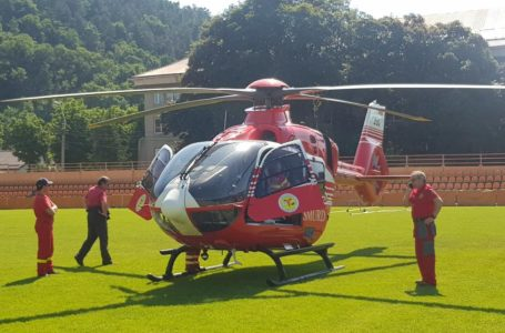 UPDATE Parapantistul care s-a prăbuşit la Pângăraţi va fi preluat de elicopterul SMURD (foto)