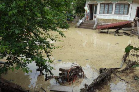 În administrarea cui sunt pâraiele care au cauzat inundațiile din Piatra-Neamț
