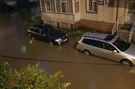 Primarul Chitic, până la 5 dimineața în zonele afectate de inundații din Piatra-Neamț