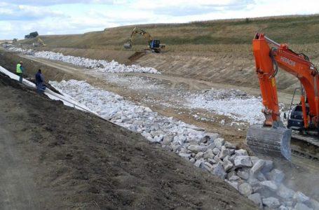 Presiuni instituționale pentru emiterea unui aviz ante-datat la o lucrare hidrotehnică de 14 milioane euro recepționată