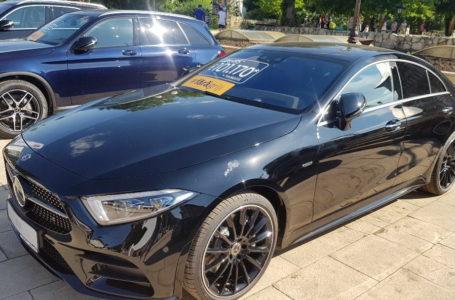Cea mai scumpă mașină de la Târgul Auto din Piatra-Neamț face cât 3 apartamente!
