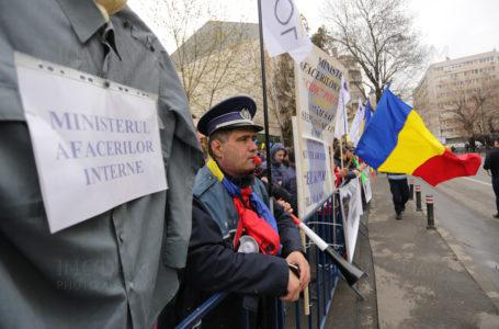 Polițiștii nemțeni pichetează astăzi Prefectura și cer demisia ministrului Carmen Dan