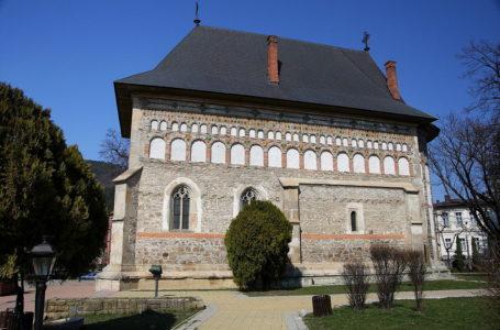 Fabulos! Se împlinesc 522 ani de la începerea construcției Bisericii de la Curtea Domnească din Piatra-Neamț
