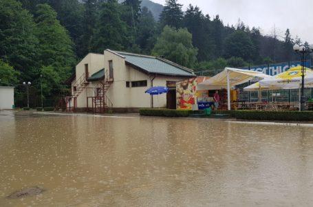 Cum arată Ștrandul din Piatra-Neamț după furtuna de miercuri, 3 iulie (foto-galerie)