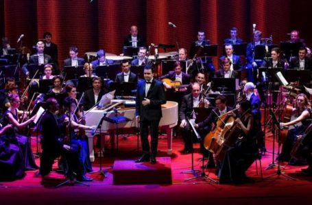 """Corala """"Universitas"""" și Andrei Tudor Band, în a treia zi a Vacanțelor Muzicale la Piatra-Neamț"""