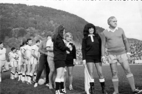 Imagine-document: Dem Rădulescu, Stela Popescu, Jean Constantin și Puiu Călinescu – meci cu echipa Ceahlăului!